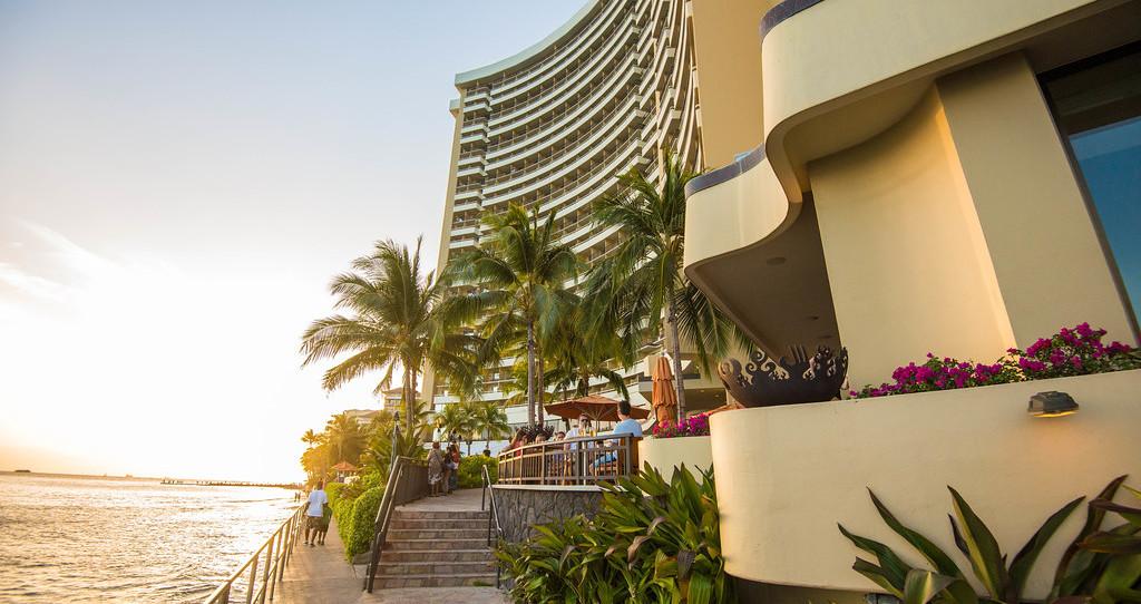the-hotel--v2356907