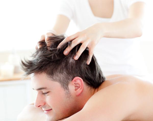 表参道の美人女性美容師に聞いた薄毛・抜け毛に効くハゲにならないためのシャンプー・マッサージ方法